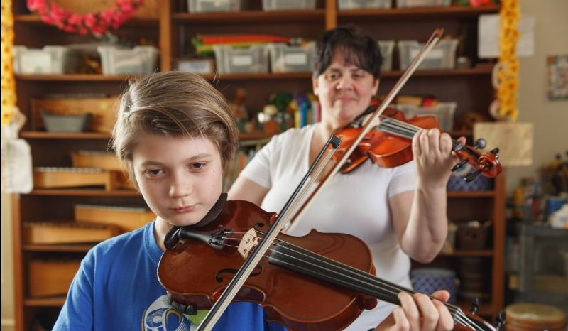 Violin lessons at Settlement