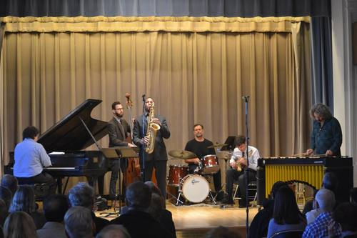 Settlement jazz faculty perform together at the Mary Louise Curtis Branch